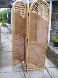 Wicker folding screen