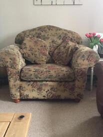 Scar top Country cottage chair