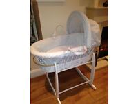** BRAND NEW ** MOSES BASKET