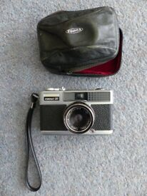 Fujica Compact 35 Camera.