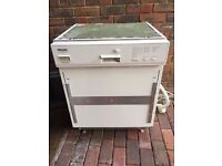 Miele Dishwasher i excellent condition - Semi Integrated