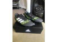 Adidas Messi Laceless Boots - Size 5.5