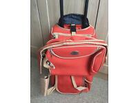 Holdall with wheels & matching shoulder Bag