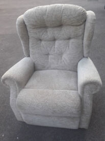 Celebrity Riser / Recliner Chair, Wide seat