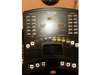 Reebok zr8 tredmill in good condition 24 programs checks pulse calories burnt speed and distance
