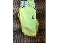 Ladies Roxy Ski Pants (tags on) size 14/16