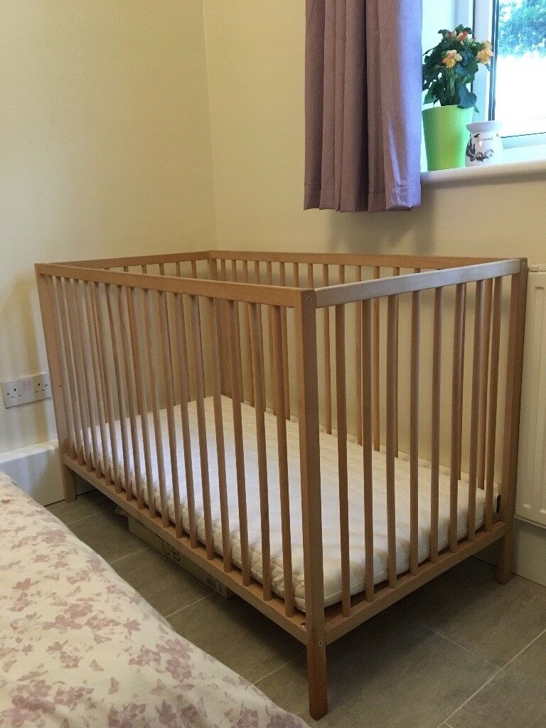 Cot bed with mattrace