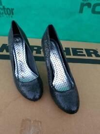 Black Sparkling Shoes
