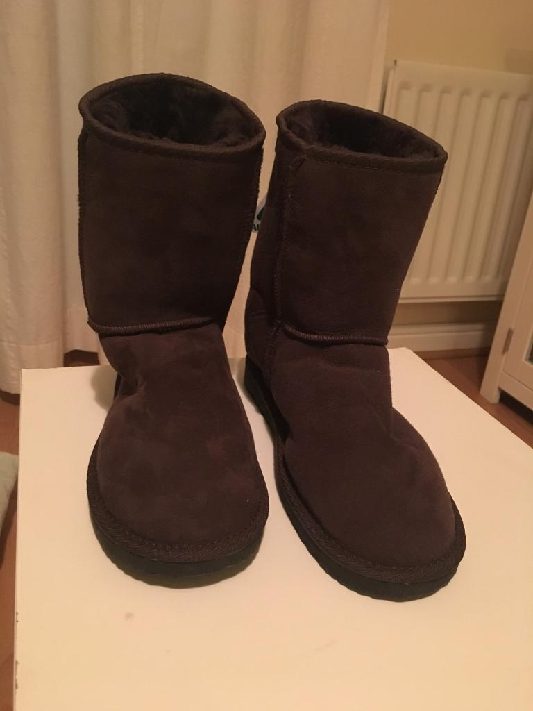 Brand New ugg boots brown chocolate