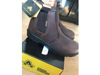 Amblers safety boots size 11