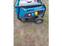 Nearly new 2.7kw petrol generator 230v/110v/12v with extras £240 ovno