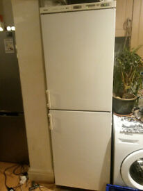Bosch Fridge Freezer 'electronic no frost' - local delivery possible :)
