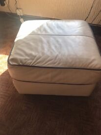 Cream leather 2 seater settee 1 chair 1 footstool good condition no damage Very comfortable