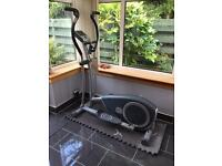 Doymos cross trainer