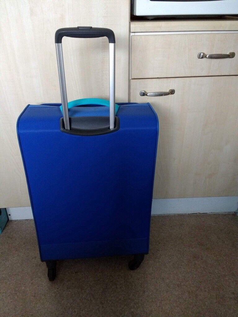 American Tourister spinner suitcase, soft shell, super light, medium