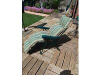 TWO GARDEN/LOUNGERS