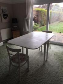 4 seater table with 2 chairs