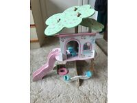 Rosebud Village Wooden Tree House (Early Learning Centre)