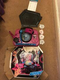Monster High figures & accessories, 16 figures, Spectra Vondergeist set, Draculaura set, Tattoo set
