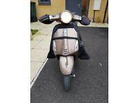 Piaggio Vespa Primavera 125 V3 Scooter