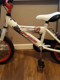 Boys bike aged 3-4. Brand new condition. Only rode 4 times. Paid £100 in toys r us selling for £30