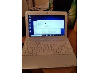 MEDION NETBOOK. WINDOWS 10 OFFICE PACKAGE, SMALL AND COMPACT INTERNET FACEBOOK ETC, WIRELESS