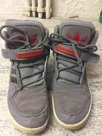 Adidas High Top Junior Size 5