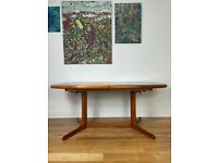 Stunning Mid Century Modern Danish Teak Extendable Dining Table by Dyrlund FREE LOCAL DELIVERY