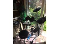 Roland V6 Electronic Drumkit for sale excellent condition with stool