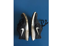 Nike Women's running shoes / black / Size 5 (eur 38)