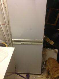 Fridge freezer 50/50 creda