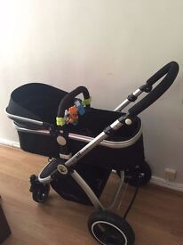 iSAFE INFANT TRAVEL SYSTEM WITH CAR SEAT - SPARINGLY USED EXCELLENT CONDITION