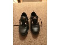 Nike Explorer Golf Shoes Size Uk 8, Used but in excellent condition.