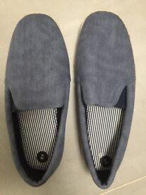 Brand new men's canvas shoes