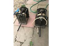 2 x manual winches