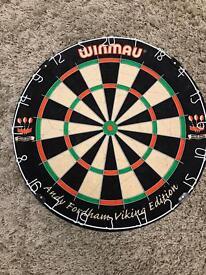 Dart board /Winmau
