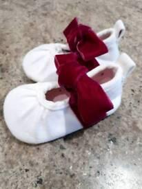 Brand new tutto piccolo pram shoes size 18