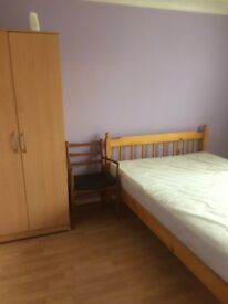 large double room colnbrook