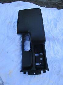 bmw e36 black armrest. good condtion,