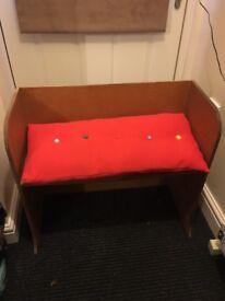 Children's bench, Pew