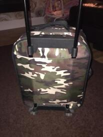 Lovely boys Camouflage/Army small Suitcase (carry on luggage) ?