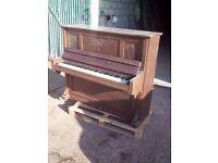R. Oberlandt Piano