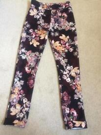 Boohoo NEW Flower patterned Leggins Size 8