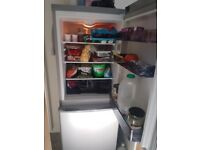 Swan Fridge Freezer £100ovno