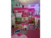 Massive kidikraft dolls house