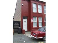 Two-Bed House close to transport and amenities