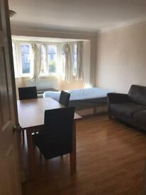 Double room next to South Wimbledon tube station