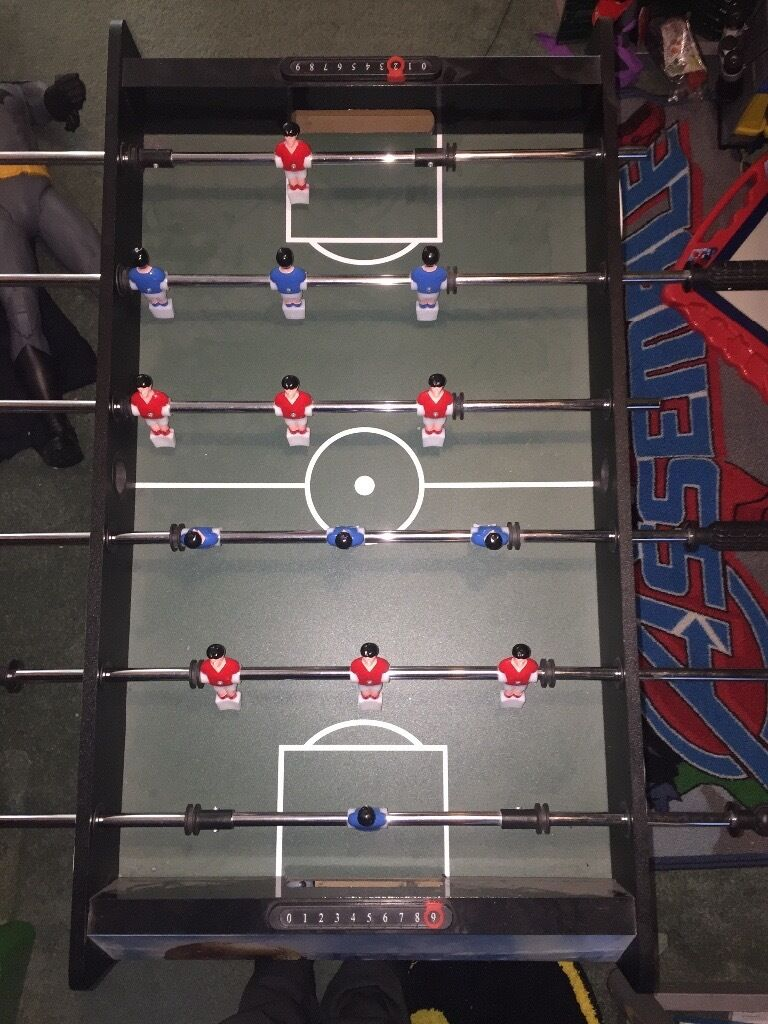 Kids football table like new!