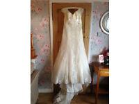 Benjamin Roberts Wedding Dress Size 12-14 Ivory Lace Applique Vintage