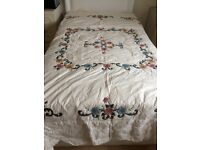 Cotton throw & 2 pillow shams. Fits double bed